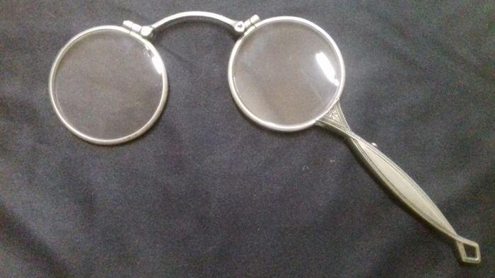 Storia e origine degli occhiali