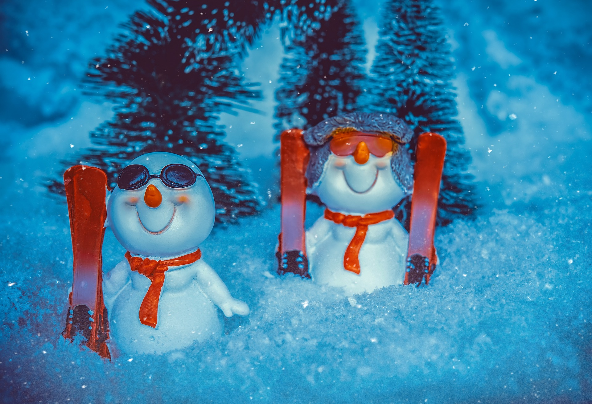 Snowmen with glasses
